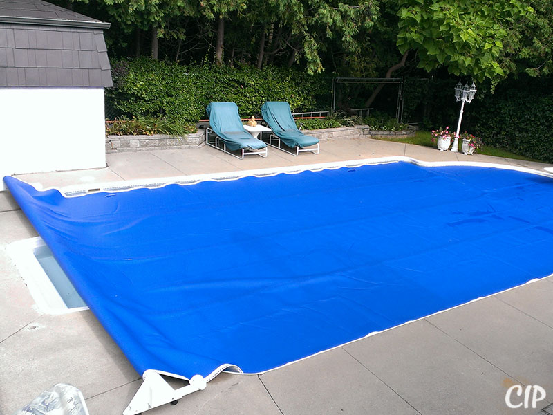 Pool covered with Automatic Pool Reel